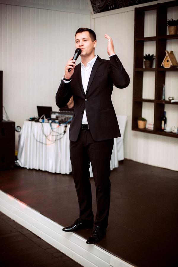 Профессиональный ведущий свадеб антон
